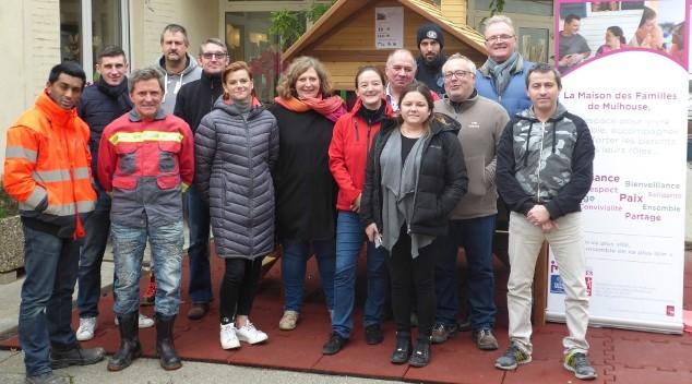 L'équipe de Holcim avec les familles de Mulhouse